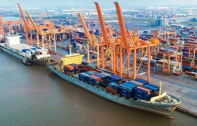 """42 lượt tàu """"xông đất"""" cảng Hải Phòng"""