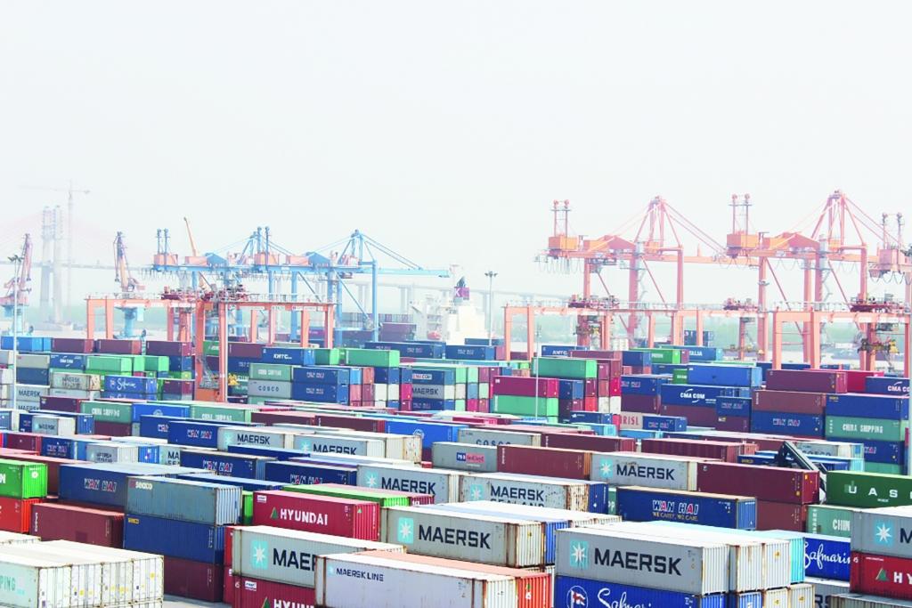 """Hòa Phát quyết định sản xuất vỏ container, """"bung hàng"""" từ quý II"""