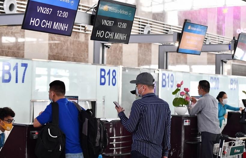 Các hãng hàng không triển khai hỗ trợ hành khách đổi, hoàn vé